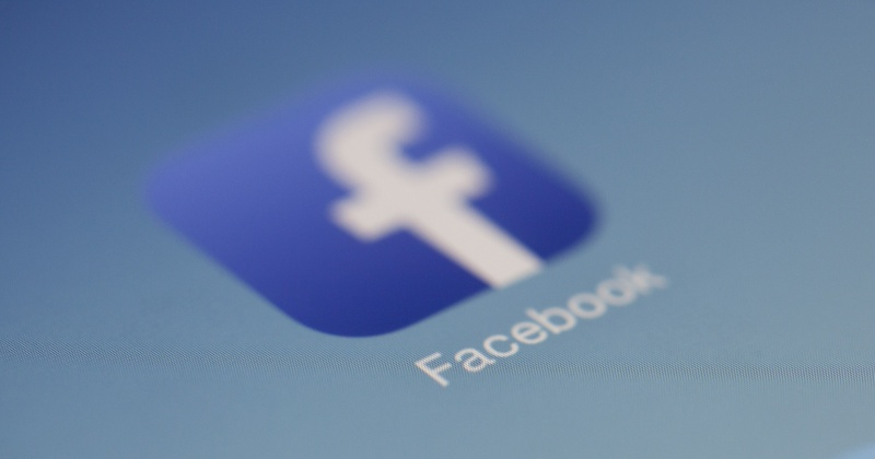 How to stop Facebook from recording your call and SMS data