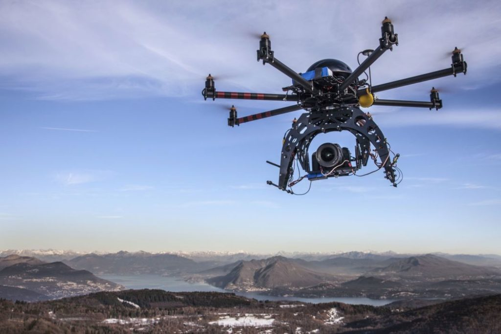 Drone Safety Tips: 9 Do's and Don'ts When Flying Drones
