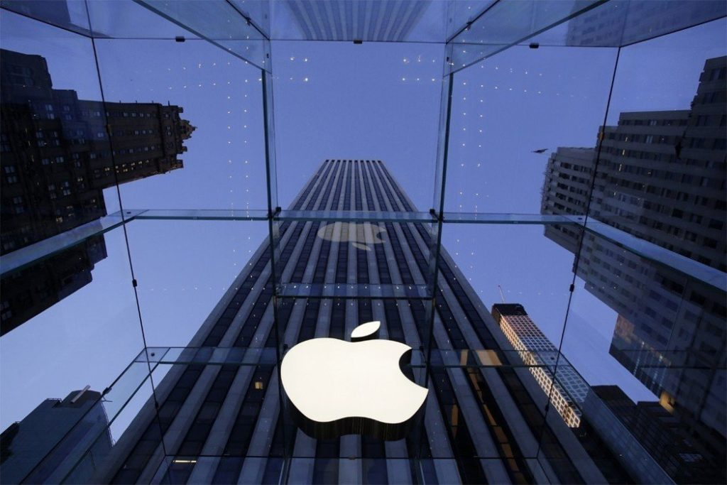 This company may beat Apple to become the first trillion-dollar mark