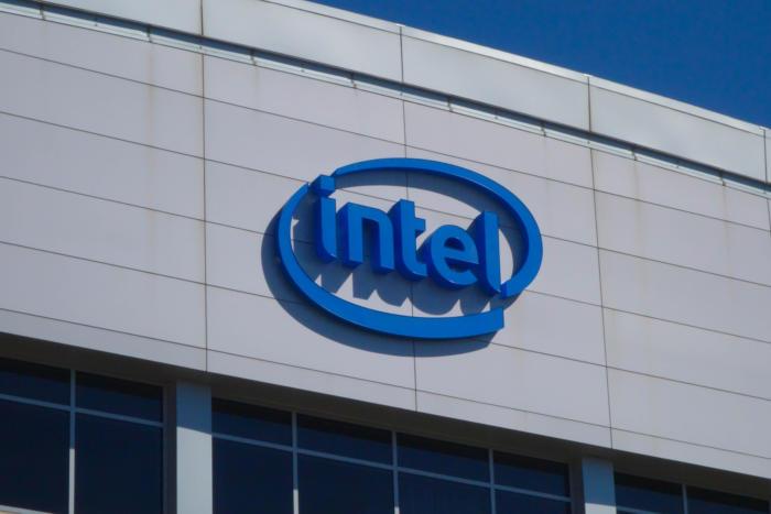 Intel FPGAs step toward mainstream in Dell, Fujitsu enterprise servers