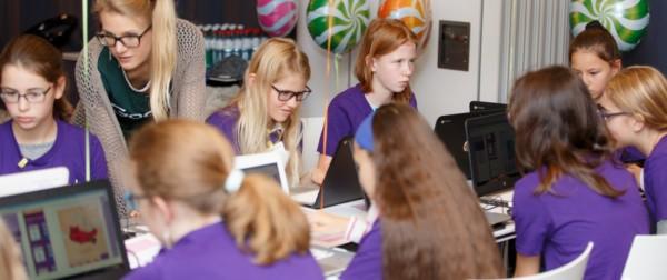 Google Workers Take Action to Encourage Ladies in Engineering Science